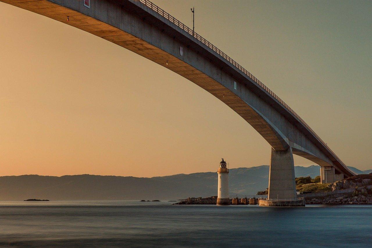 bridge, lighthouse, sunset-192986.jpg